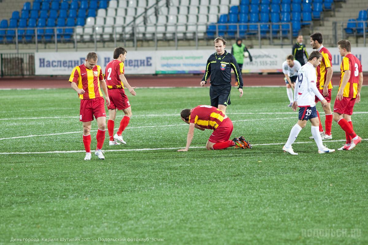 """стадион """"Труд"""" 6.10.2012"""