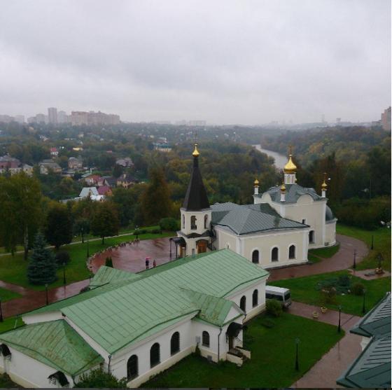 Вид на Воскресенский храм