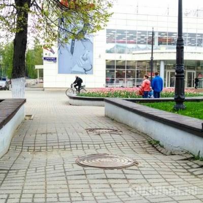 Плитка на улице Кирова. Май 2018