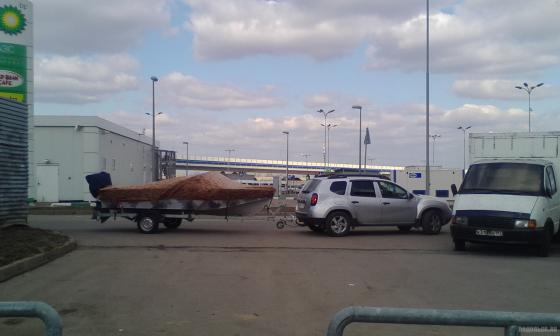 Лодка на прицепе. Апрель 2019
