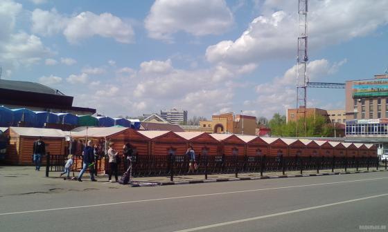 Палаточный рынок у Центрального. 6 мая 2019